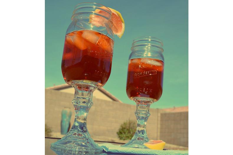 decorating-with-mason-jars-wine-glasses